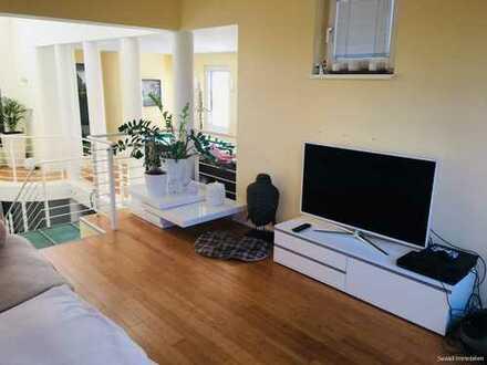 Einzigartige 5-Zi.-Maisonette-Wohnung (7-Zi. möglich!) mit Garten und zwei Balkonen