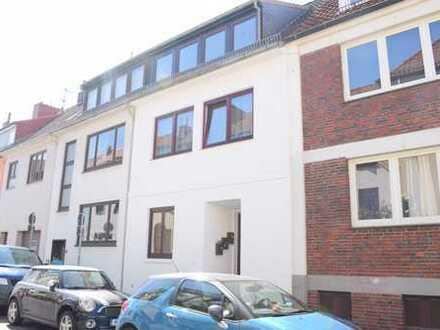 Steintor!Großzügiges, vermietetes Mehrfamilienhaus in zentraler Wohnlage nähe Klinikum Bremen-Mitte!