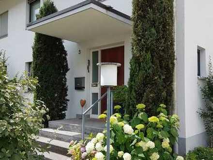 6-Zimmer-Haus in Weil am Rhein an ruhiger und zentraler Lage mit schönem Naturgarten