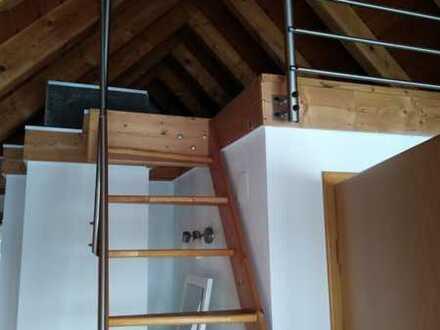 Gemütliche Dachgeschosswohnung in ruhiger Lage !