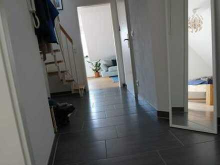 Schöne, geräumige 2,5 Zimmer Wohnung in Wolnzach (Pfaffenhofen an der Ilm)