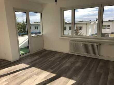Provisionsfrei und bezugsfrei - frisch sanierte 3-Zi. Wohnung mit Balkon in Berlin Lichtenrade