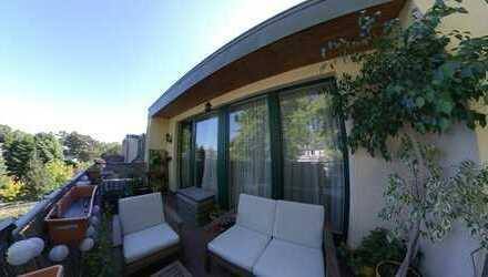Traumblick ins Grüne, wunderschöne DG ETW in Berlin Mahlsdorf mit großen Balkon