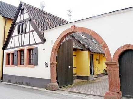 Fachwerkhaus mit Gemeinschaftshof, Garten und Sauna in Mörzheim bei Landau