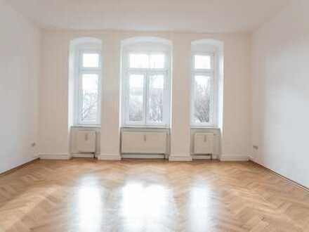großzügige 4- Raumwohnung mit Balkon und Einbauküche