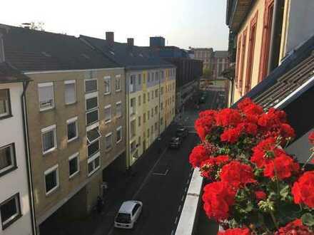 Komfortable 2,5-Zimmer-DG-Wohnung mit Dachterasse und EBK in Mannheim Uninähe
