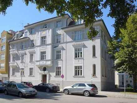 Repräsentative Altbauwohnung mit Balkon & Loggia in 1A-Lage
