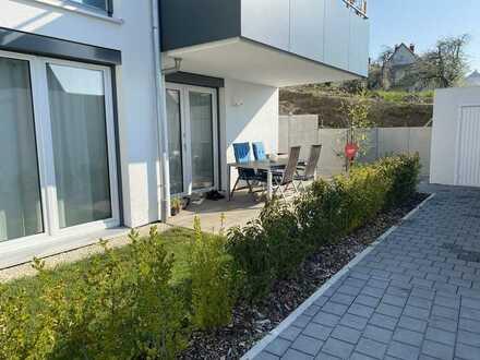Neuwertige 2-Zimmer-Terrassenwohnung mit Einbauküche in Oberelchingen