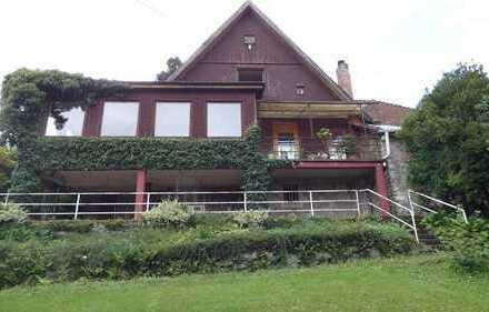 Traumgrundstück mit älterem Haus