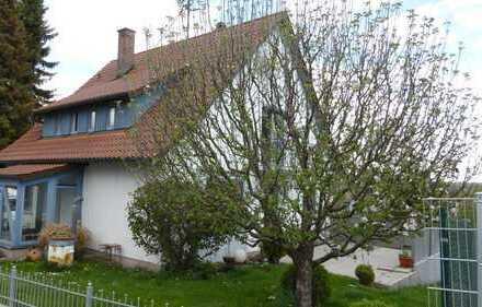 Gepflegtes Haus mit fünf Zimmern und 2 EBK in Günzburg, Günzburg