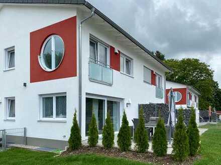Schöne DDH in hochwertiger KFW 40 Bauweise mit Stellplatz und Garage in Schwabmünchen