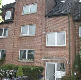 Sehr gemütliche und gut aufgeteilte 2-Zi.-Maisonette-Wohnung mit 2 Terrassen in Meerbusch-Büderich