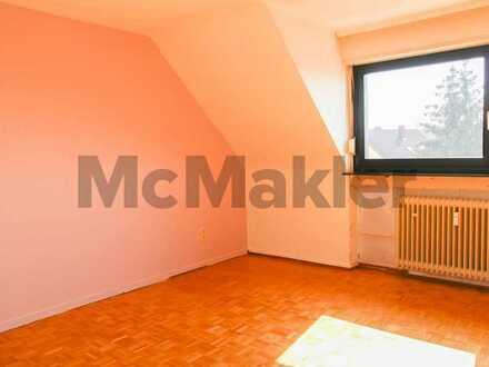 Schöne Aussichten: Gemütliche DG-Wohnung mit großem Sonnenbalkon in begehrter Lage