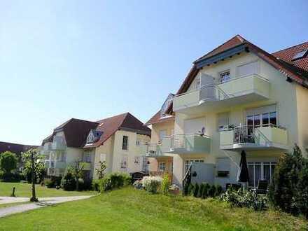 Single-Wohnung im 1. OG einer gepflegten Wohnanlage. Süd-West-Balkon, Tiefgaragen-Duplex-Parker, ...