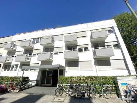 Renovierungsbedürftige 1-Zimmer-Wohnung nähe Friedensengel Bogenhausen mit TG und Balkon