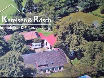 Historische Hofanlage mit parkähnlichem Grundstück, Teich und Waldstück