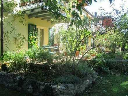 Einmalige 2-Zimmer Gartenwohnung in bester Lage von  Freiburg-Littenweiler