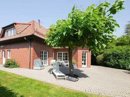 ***traumhafte Villa auf großem Grundstück!