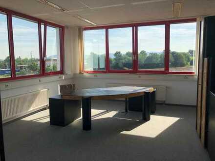 Helle Büroräume in Aalen Ind.-Gebiet zu vermieten