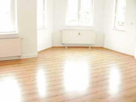 Preiswerte, sanierte 2,5-Zimmer-Wohnung zur Miete in Schneeberg