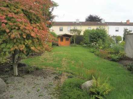 Ausstattung - Lage - Garten! 157 m² Wfl., 391 m² Grundst.+ Garage + Keller + Gartenhaus!