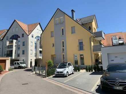 Geschmackvolle 3-Zimmer-Maisonette-Wohnung mit Kamin -Balkon und EBK in Sindelfingen Maichingen