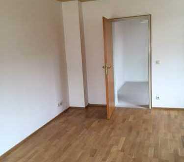 Modernisierte 4-Zimmer-Hochparterre-Wohnung mit Balkon in Mindelheim