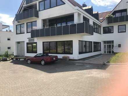 Tolle Gewerberäume, Büro/Praxis/Labor nördlich von Nürnberg in herausragender Lage zu vermieten !