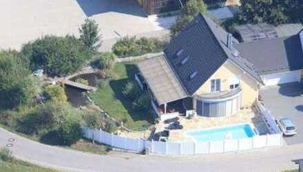 wohnen und arbeiten unter einem Dach...Garten, Sonne, Pool und mehr...für ein entspanntes Zuhause