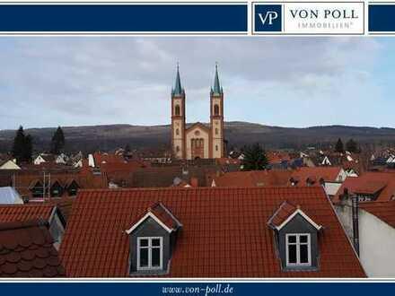 VON POLL - BAD HOMBURG: Wie im eigenen Haus! Maisonettewohnung in ruhiger Lage