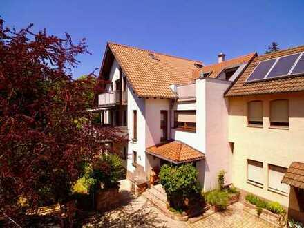 FAST EIN GANZES HAUS: 5-Zimmer-MAISONETTE-Wohnung, TOP LAGE Grötzingen, 2 SÜDBALKONE, Gartenanteil