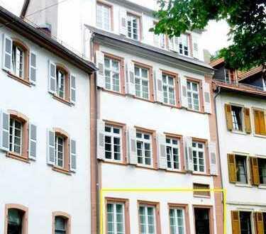 Charmante möblierte Altbauwohnung am Uni-Platz
