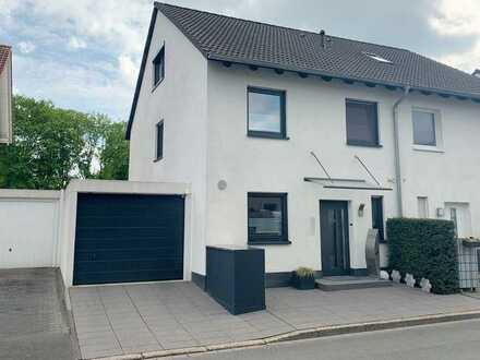 Sehr hochwertig ausgestattete Doppelhaushälfte mit ca. 156 m² Wohnfläche in Dortmund-Asseln
