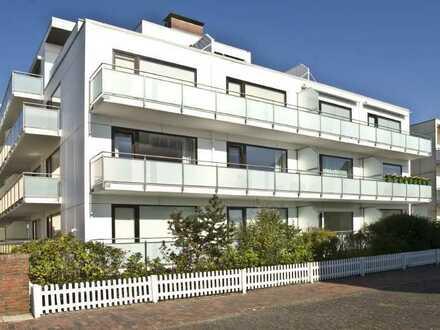 Apartment direkt am Strand mit schöner Terrasse.