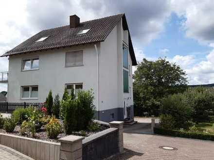 Schöne 3-Zimmer-Wohnung mit eigenem Garten und Terasse