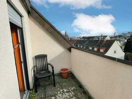 Helle und moderne Dachwohnung Friesenheim Nord