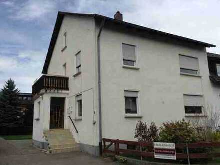 Schönes, geräumiges Haus mit fünf Zimmern in Schwandorf (Kreis), Nabburg