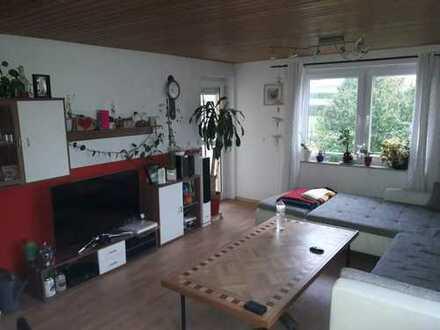 Vollständig renovierte 3-Zimmer-Wohnung mit Balkon und EBK in Kulmain