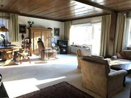 Alt-Solln, schöne, helle 3-Zimmer-Wohnung mit 2 Balkonen und viel Potential
