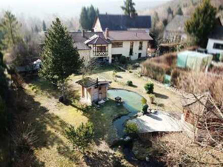 Nur 2 km von Bad Dürkheim entfernt - Schönes 2-Familienhaus auf großzügigem Grundstück in Wachenheim
