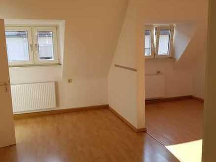 Preiswerte, gepflegte 2-Zimmer-DG-Wohnung zur Miete in Pirmasens