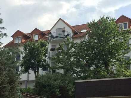 Große Eigentumswohnung-Leben auf zwei Etagen mit Balkon & Terrasse