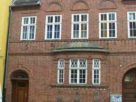Vollständig renovierte 4-Zimmer-Wohnung mit EBK in Flensburg nur mit Wohnberechtigungsschein