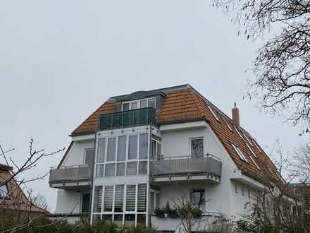 Vermietete helle Dachgeschosswhg. inkl. KFZ-Stellplatz/ 2 Balkone+1 Terrasse