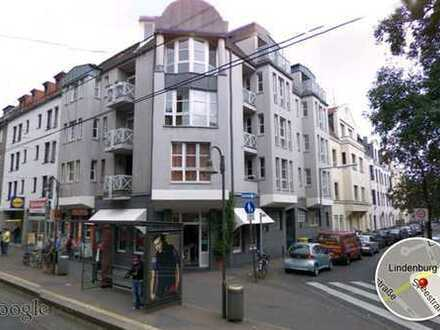 Helle 2 Zimmer Wohnung mit Loggia in Sülz