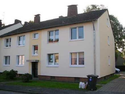 Sanierte 3-Raum-EG-Wohnung mit Balkon und Einbauküche in Duisburg Bergheim
