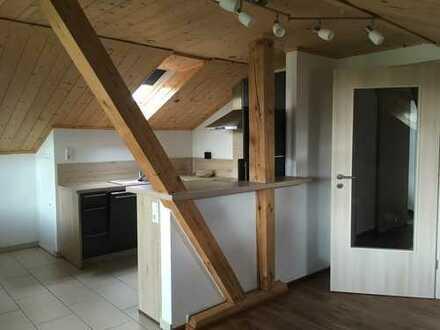 Neuwertige 3-Zimmer-Dachgeschosswohnung mit Balkon und EBK in Leibertingen - Altheim