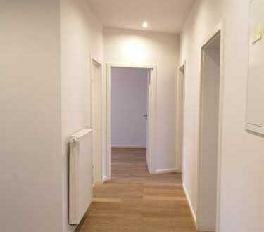 **Erstbezug nach Sanierung: exklusive 3-Zimmer-Wohnung mit Einbauküche und Balkon**