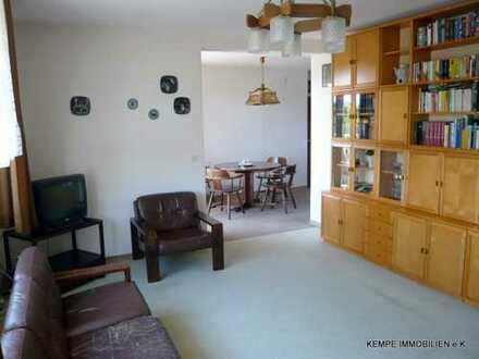 gut geschnittene 3 1/2 Raum Wohnung - Haus mit Aufzug, Tiefgaragenstellplatz, Süd-Balkon