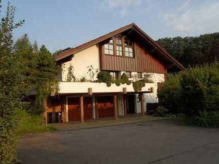 Schöne EG-Wohnung im Landschaftsschutzgebiet mit EBK, Gartenanteil und PKW-Stellplatz in Aichwald